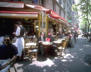 la terrasse d'un café